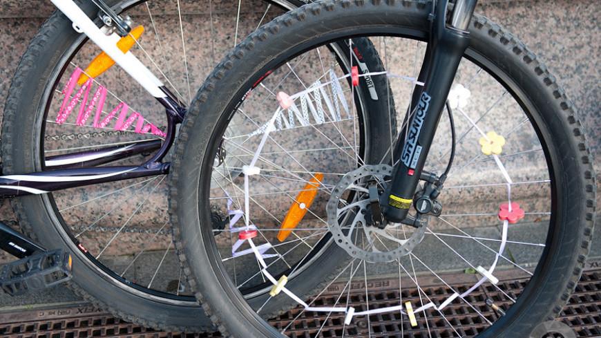 """Фото: """"«МИР 24»"""":http://mir24.tv/, велосипед, стиляги, велосипеды"""