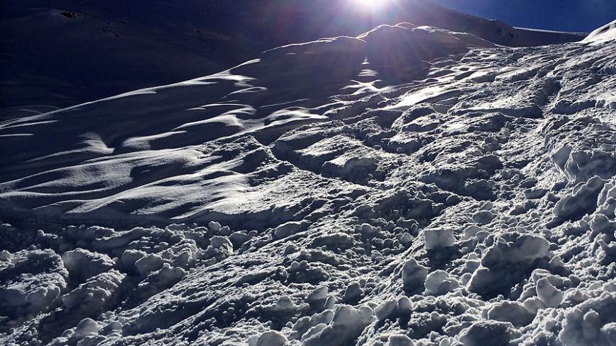 Альпинистов из Украины и Польши спасли после схода лавины в Казбеги
