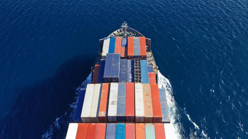 СМИ: Четыре танкера у берегов ОАЭ не контролируют управление судном