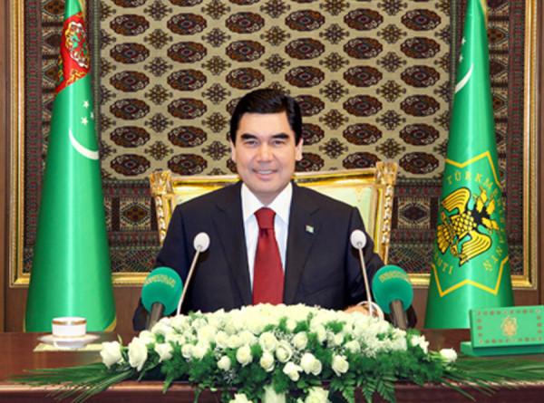 Встреча с парламентом: Бердымухамедов потребовал доработать законы