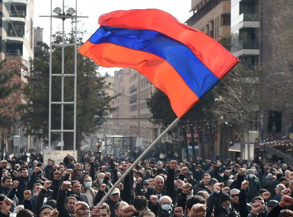 Ситуация в Армении: оппозиция готовится к митингу и шествию в центре Еревана