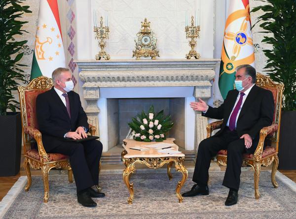 Эмомали Рахмон обсудил с генсеком ОДКБ вопросы коллективной безопасности