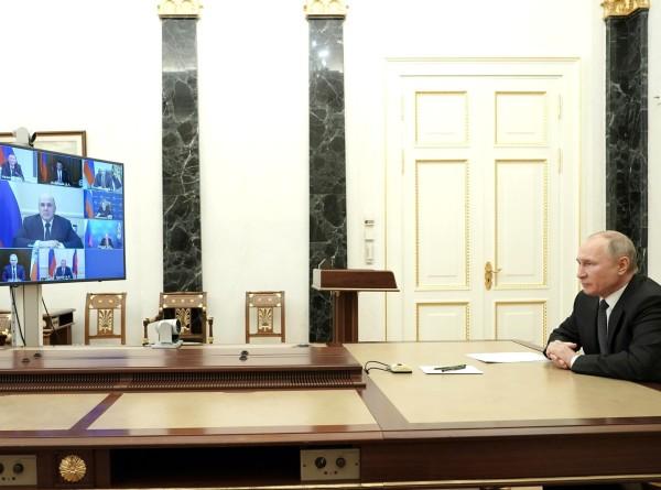 Путин обсудил с Совбезом урегулирование в Нагорном Карабахе