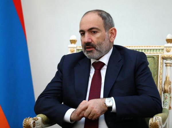 Пашинян вновь попросил президента Армении уволить начальника Главного штаба