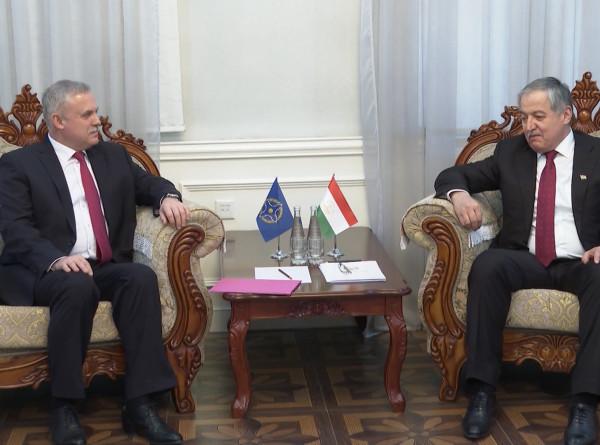 Генсек ОДКБ обсудил в Душанбе подготовку к учениям и Совету министров обороны организации