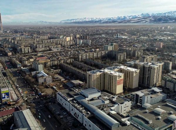 Город бетонного цвета: с чем у кыргызстанцев ассоциируется Бишкек
