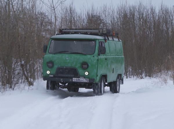 «Буханка» для кемпинга: петербуржец превратил УАЗ в дом на колесах