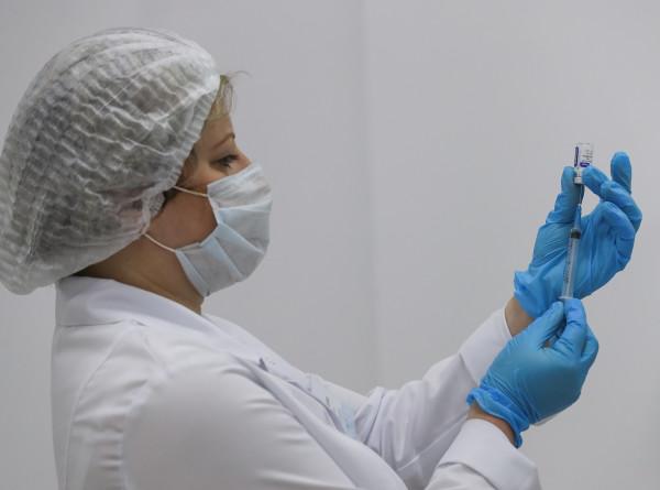 В Молдове одобрили к применению три вакцины от COVID-19