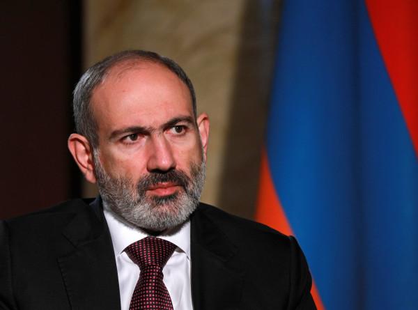 Генштаб Армении потребовал отставки премьера Никола Пашиняна и его правительства