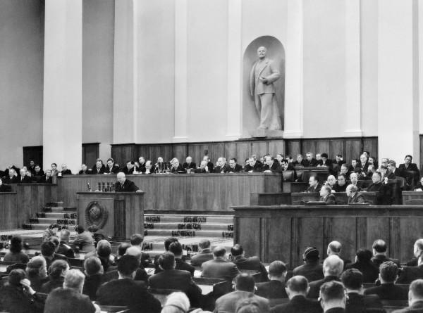 Манифест разрушителя: как Хрущев приблизил крах СССР