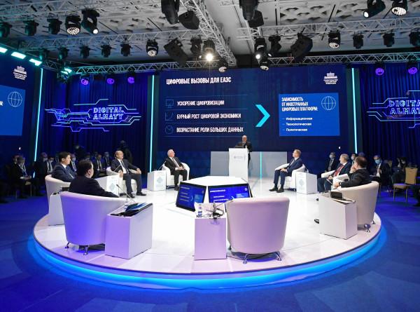 Мишустин пригласил Казахстан и Кыргызстан присоединиться к сервису «Путешествуй без COVID-19»