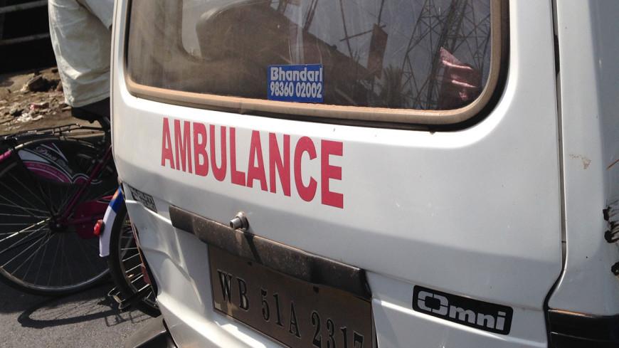 В Индии при падениии автобуса в канал погибли не менее 47 человек