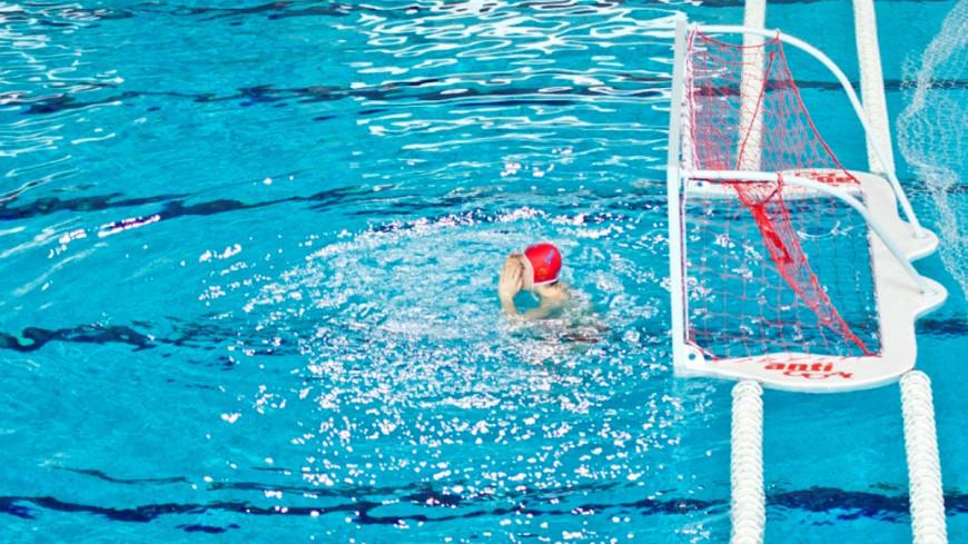 """Фото: Елена Андреева, """"«Мир 24»"""":http://mir24.tv/, бассейн, водное поло, ватерполисты"""