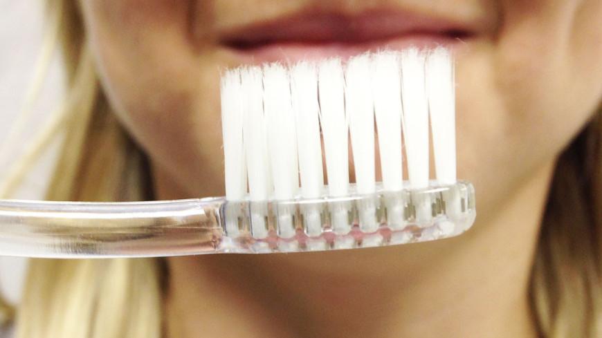 """Фото: Светлана Родина, """"«МИР 24»"""":http://mir24.tv/, зубная щетка"""