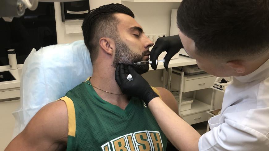 Горбинка как у Тома Круза и кубики на животе: зачем мужчины обращаются в косметологические клиники