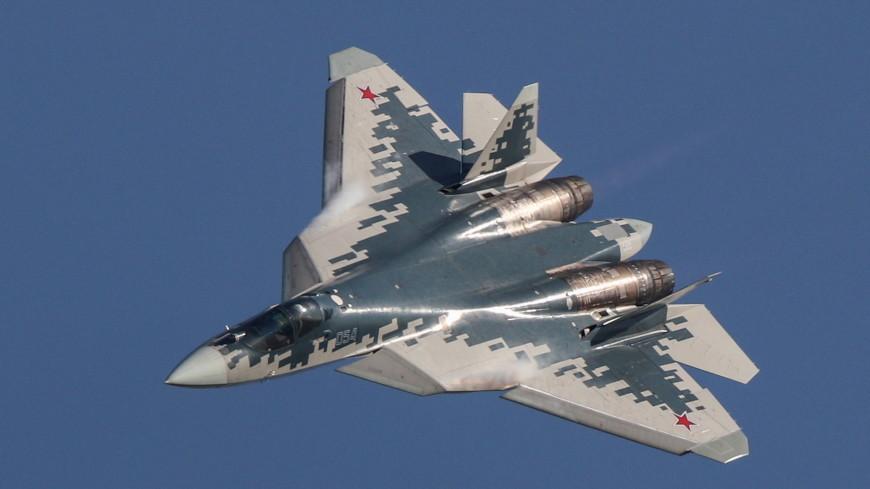 СМИ: Истребитель Су-57 провел испытательные полеты с макетами гиперзвуковых ракет