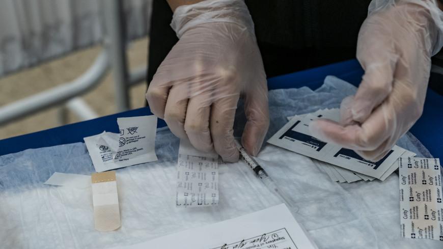 В штате Нью-Йорк после вакцинации от COVID-19 умерли 23 человека