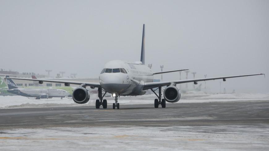 Рейс из Москвы не смог приземлиться в Омске из-за метели