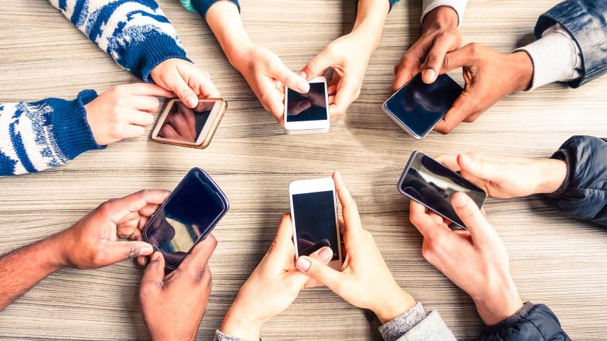 Выжить в «инфомясорубке»: как соцсети «крадут» нашу жизнь и можно ли это прекратить?