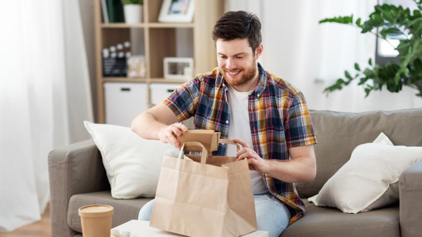 Диетолог рассказала о вредных продуктах для мужчин