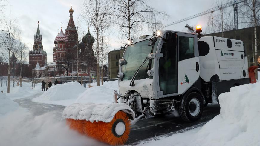 Москву от снега круглосуточно чистят около 80 тыс. работников