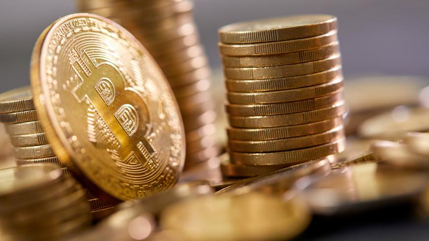 Стоимость биткоина впервые взлетела до $52 тыс.