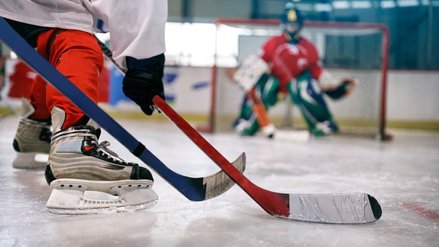 Хоккеист из детской команды впал в кому после удара о борт