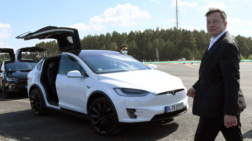 Илон Маск заявил, что Tesla начнет летать