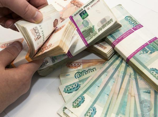 Заключенный при помощи телефона выманил у россиян 30 миллионов рублей