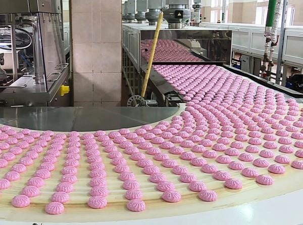 Зефирная столица: как производят сладости в Бобруйске?