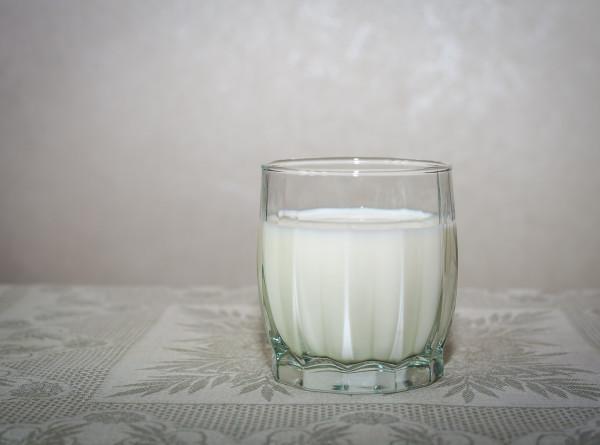 Маркировка молочной продукции в России: как распознать подделку?