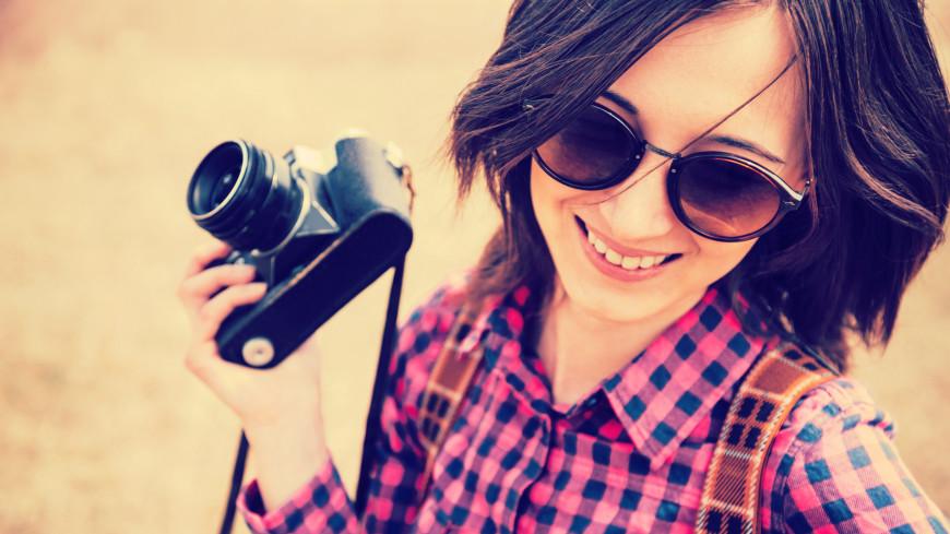фото, фотограф, фотоаппарат, кадр, фотографировать, съемка, пленка, ракурс, объектив. хобби, улыбка, улыбаться, женщина, девушка,