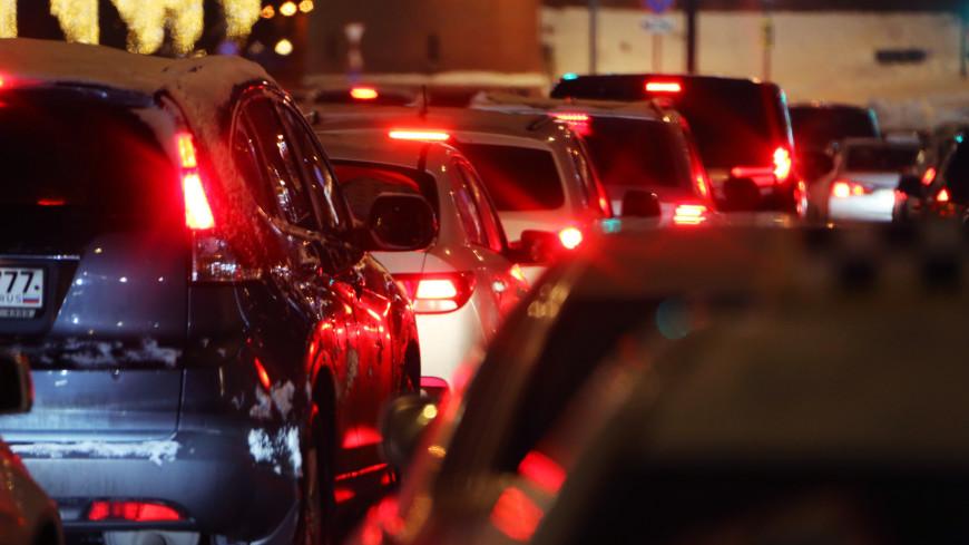 Водителей предупредили о гололедице на дорогах Москвы 1 января