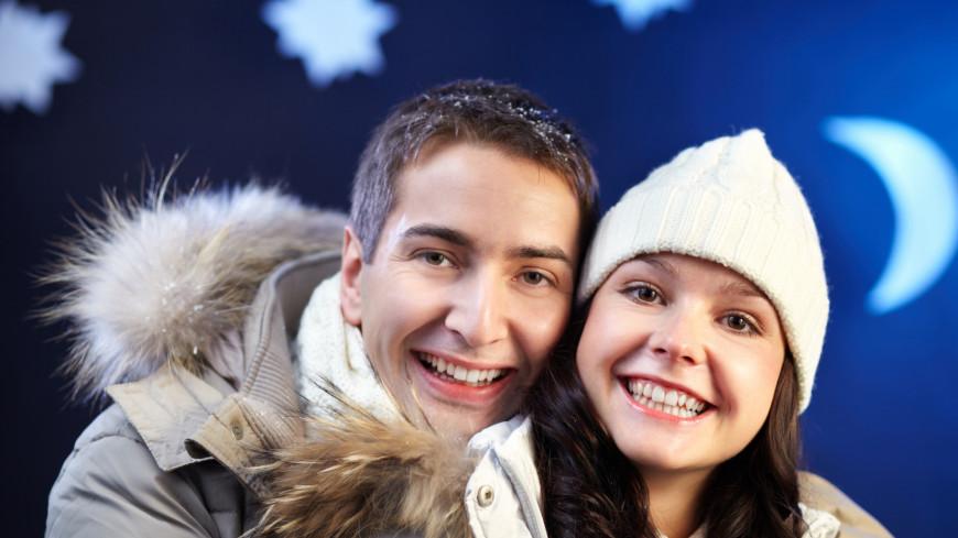 зима, пара, любовь, отношения, семья, теплая одежда, куртка, шапка, молодая пара, молодая семья, романтика, дружба, друзья, люди, девушка, парень, муж, жена, влюбленность, взаимоотношения, человек,