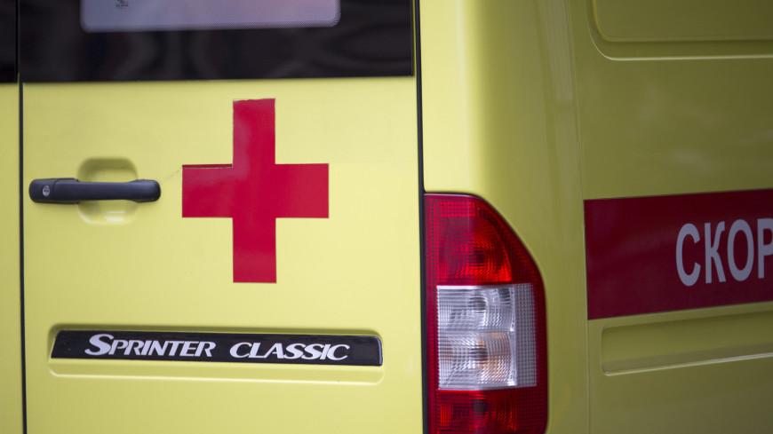 Машина медслужбы столкнулась с грузовиком на Сахалине: погибли два человека