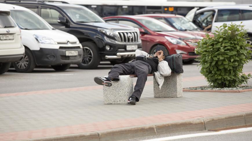 Аэропорт Шереметьево,аэропорт, Шереметьево, пассажир, сон, бомж, бездомный,