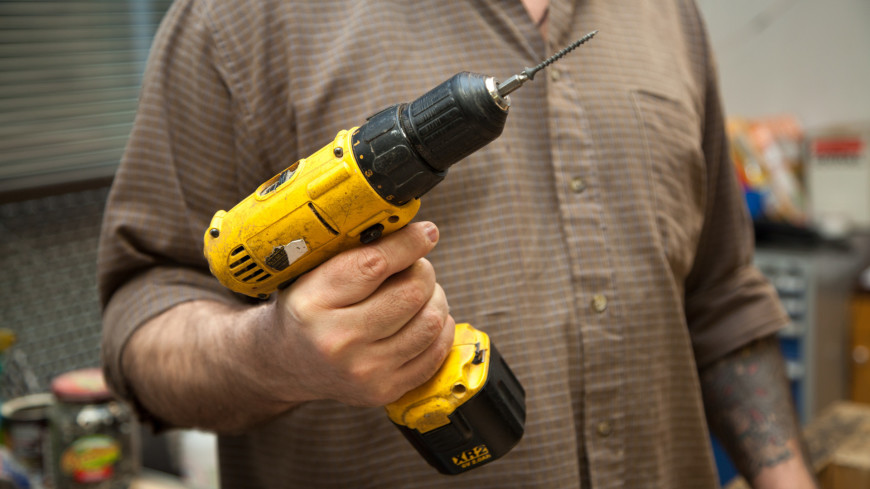 В мастерской ,мастерская, ремонт, реставрация, мастер, шуруповерт, инструмент, ,мастерская, ремонт, реставрация, мастер, шуруповерт, инструмент,