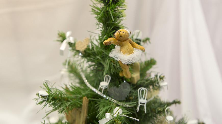 "Фото: Алан Кациев, ""«Мир 24»"":http://mir24.tv/, новый год, елка"