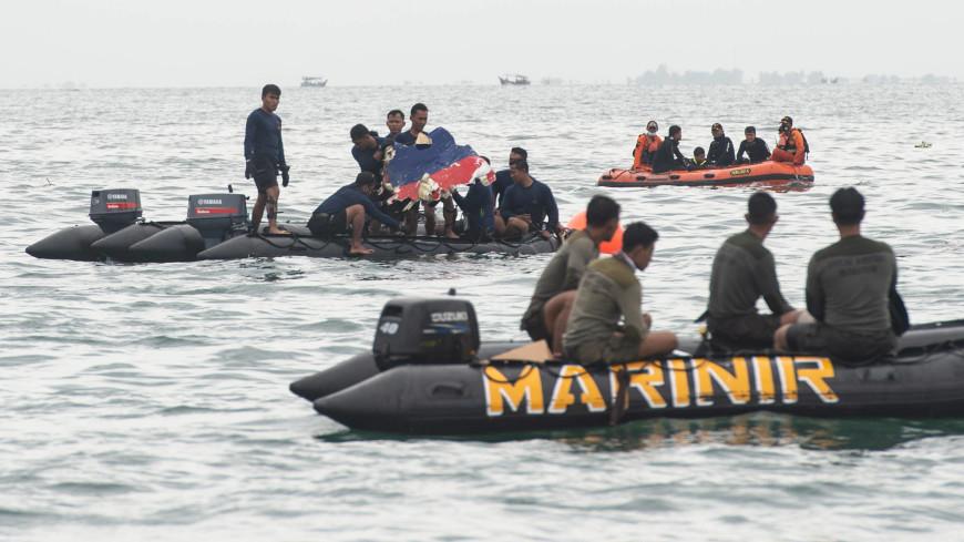 В Индонезии следователи проверяют запись переговоров экипажа разбившегося Boeing