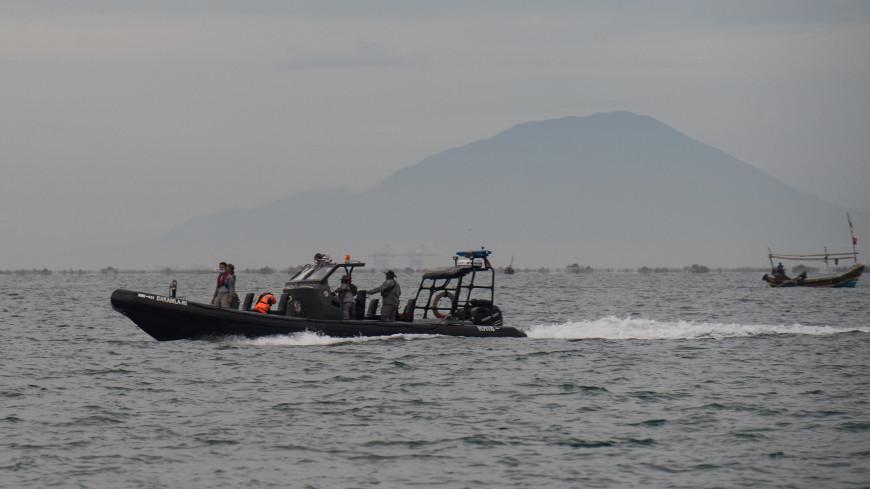 Эксперты: Boeing 737 в Индонезии разрушился при ударе о воду