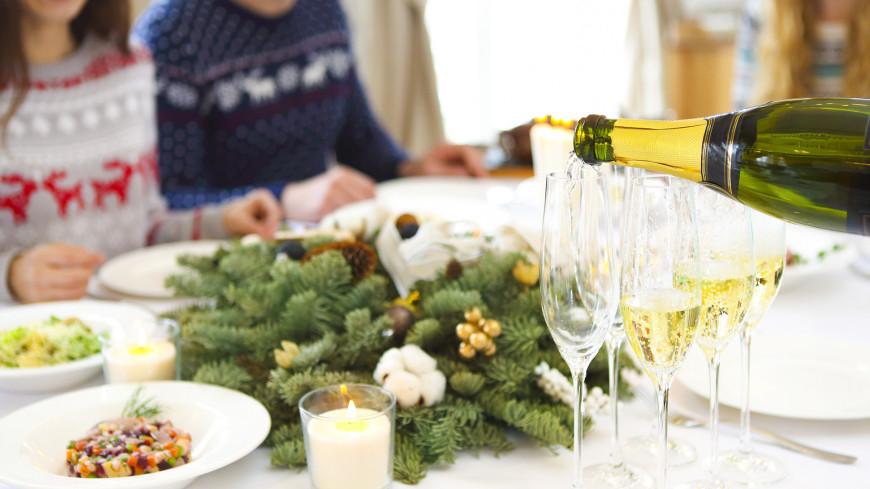 стол, застолье, новый год, рождество, праздник, сервировка, интерьер, дом, домашнее, ужин, праздничный ужин, щампанское, алкоголь, выпивка, вино, игристое вино, вечеринка, ресторан,