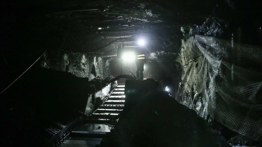 Под завалами в золоторудных шахтах на Камчатке оказались пять человек