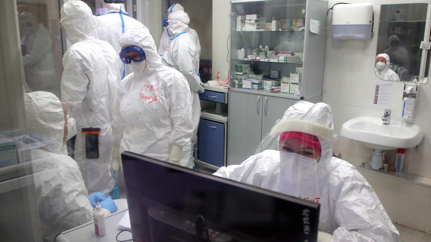 Любовь по время пандемии: врач из Красноярска сделал предложение прямо в госпитале