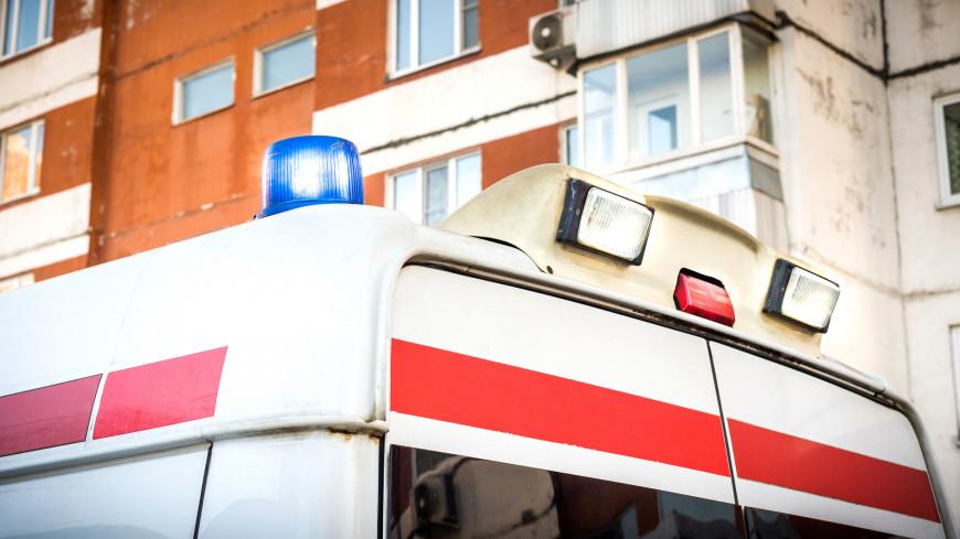 В Екатеринбурге водитель разбил стекло своей машины, чтобы пропустить скорую помощь