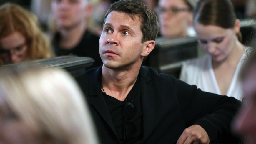 Актер Павел Деревянко вышел в свет с новой девушкой