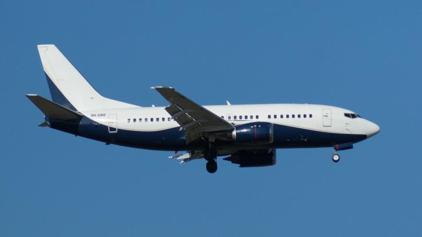 Потеряна связь с Boeing 737-500, который выполнял рейс из Джакарты в Понтианак