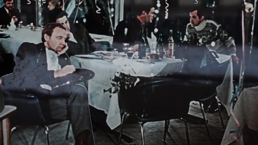 Главному новогоднему фильму «Ирония судьбы, или С легким паром» – 45 лет