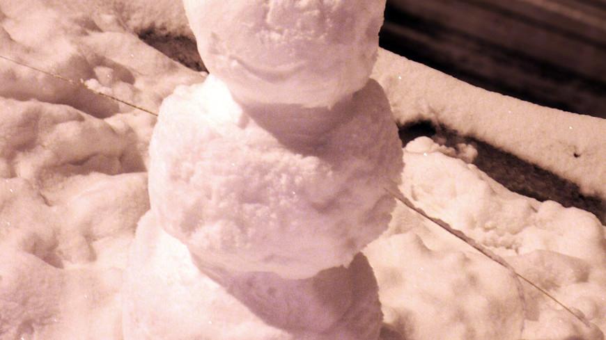 """Фото: Елена Андреева, """"«Мир24»"""":http://mir24.tv/, мороз, зима, снег, снеговик, метель"""