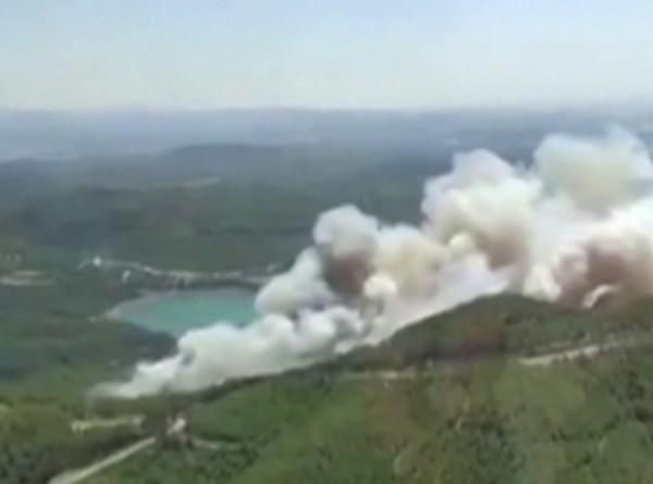 Анталья в огне: пожар перекинулся на жилые районы