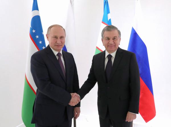 Путин и Мирзиеев обсудили вопросы развития российско-узбекистанских отношений